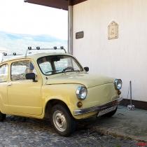 Makedonya'da sıkca raslanan komik arabalar