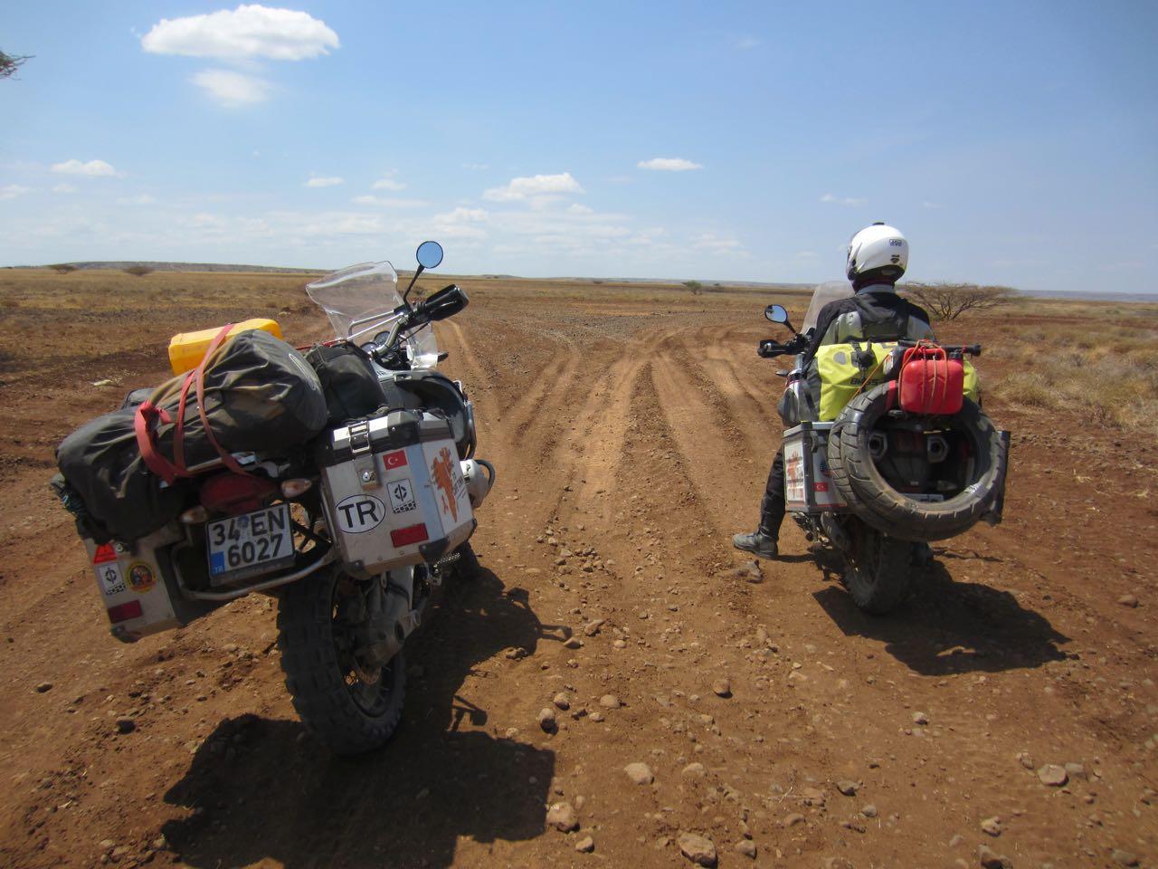afrika-omo-vadisi-motosiklet