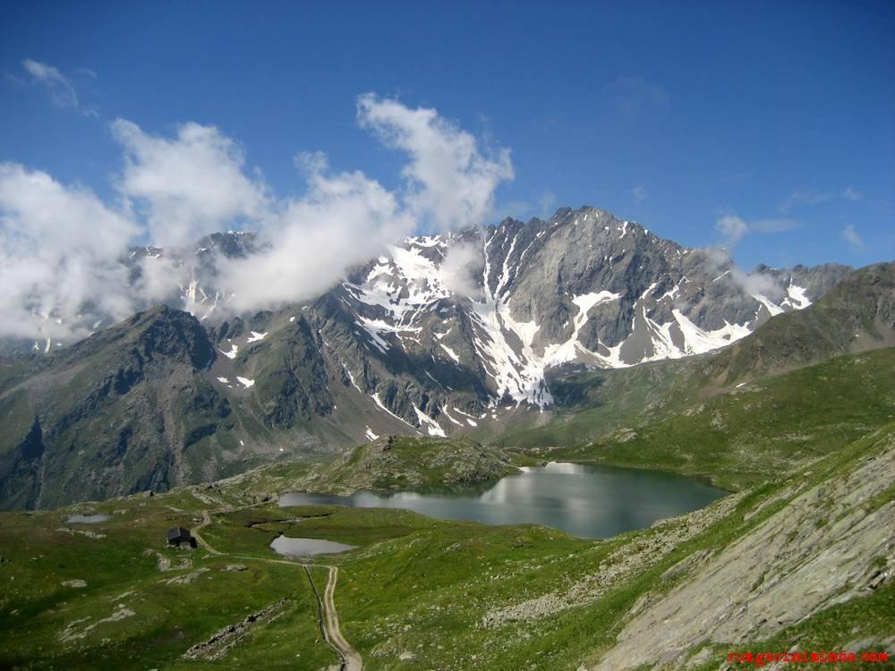 Alpler-Verbano-İtalya